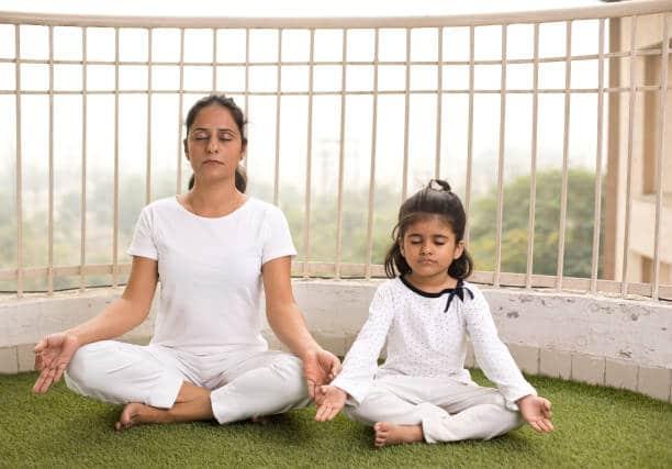 asana yoga exercice respiration et méditation