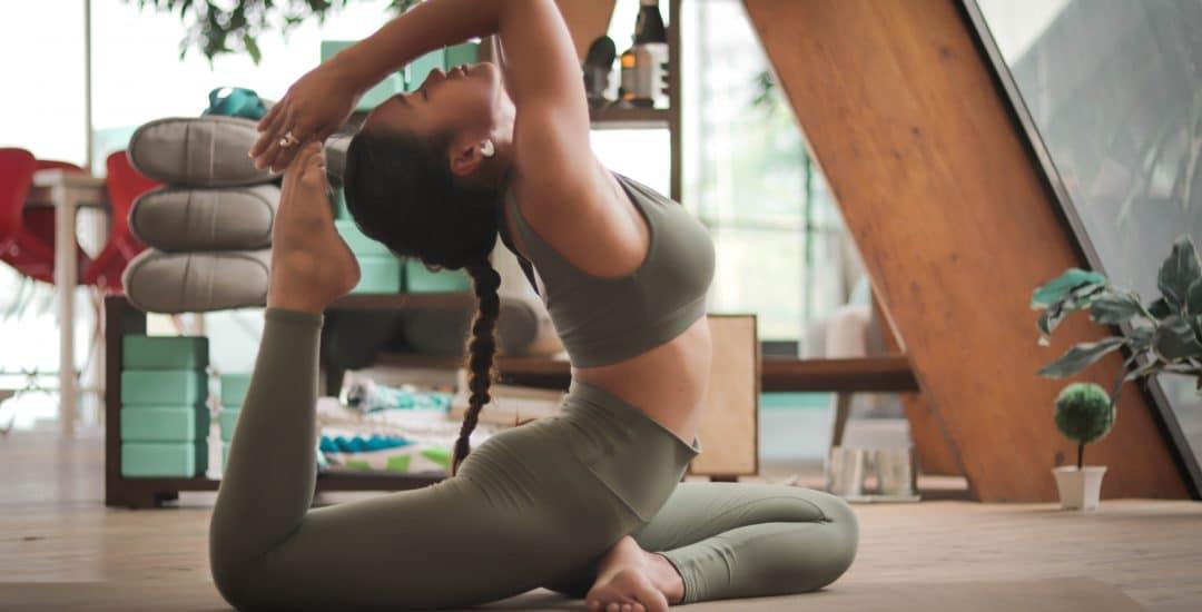 Quel type de yoga vous convient le mieux ? Ashtanga, Bikram, Iyengar …