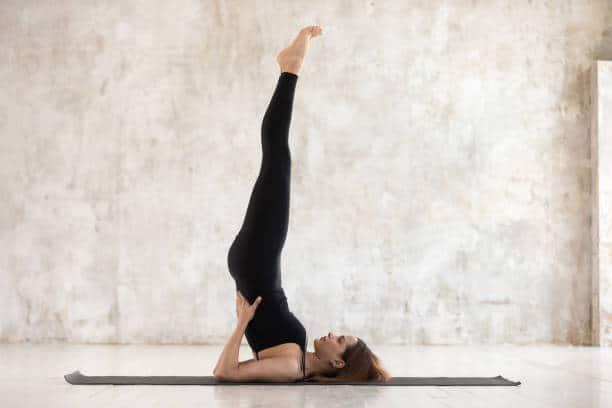 chakra yoga exercice posture Salamba sarvangasana