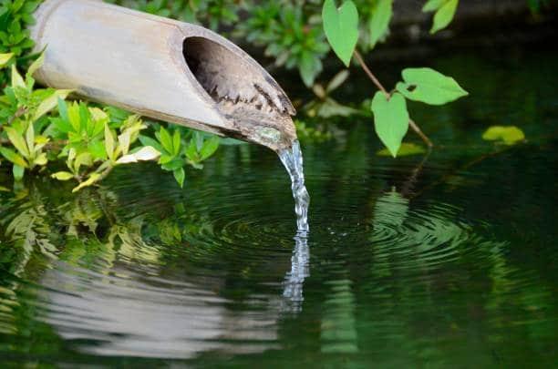 jardin zen bruit eau méditation yoga