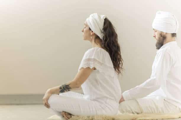 kundalini yoga reflexion méditation pratique asana