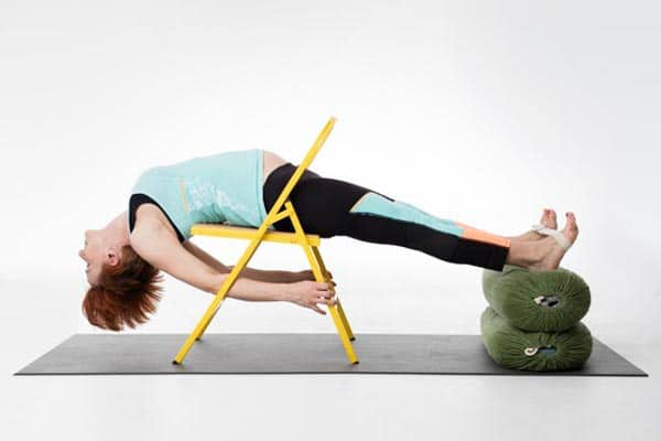 yoga femme enceinte Dwi-pada-viparita-dandasana simplifié