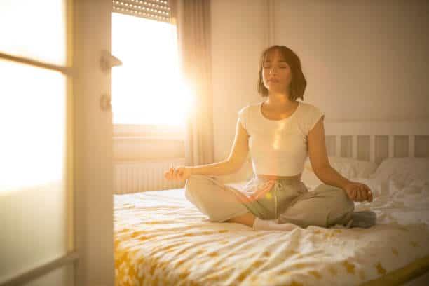 yoga nidra phase endormissement au lit