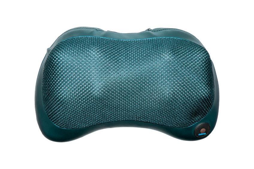 Coussin massant bleu spécialement fait pour les cervicales